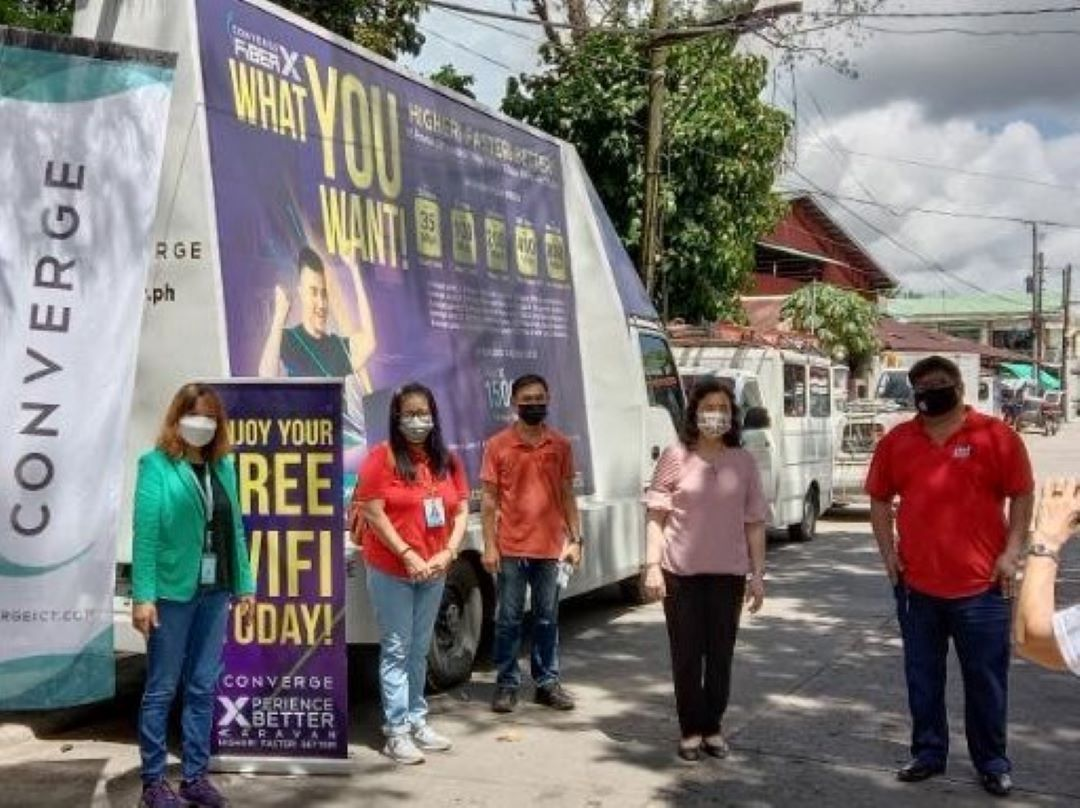 CONVERGE PARTNERS WITH DTI AND LGUs IN BICOL FOR DISKWENTO CARAVAN
