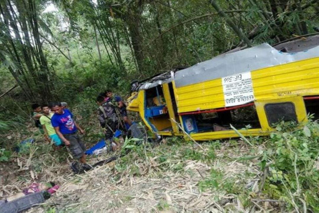 Pampasaherong Jeep Sa Albay Nahulog Sa Bangin, Siyam Patay, Labinglima Sugatan!